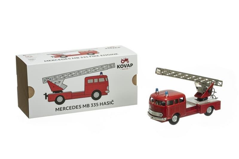 Auto mercedes 335 hasiči kov 17cm 1:43 kovap 600-800