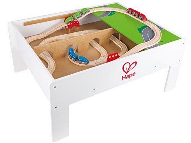 Skládací hrací stůl pro vláčkodráhu