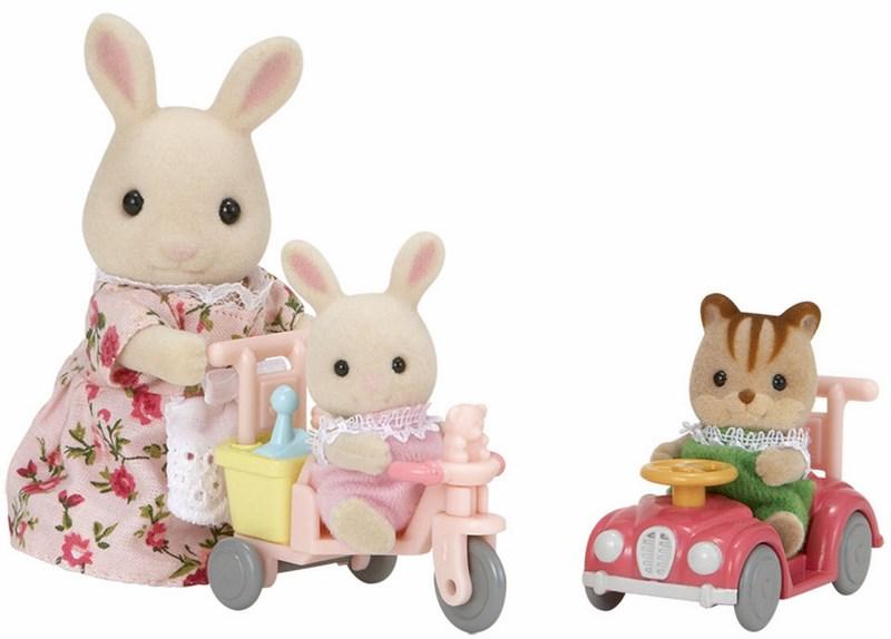 Sylvanian families - mamka bílý králík s hrajícími si mláďaty
