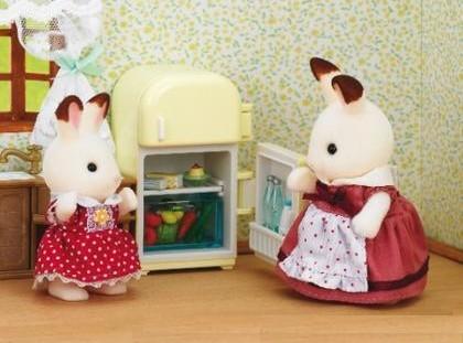 Sylvanian families - mamka u ledničky